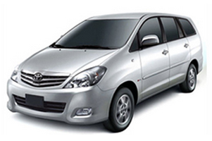 innova taxi by himachal tour guide